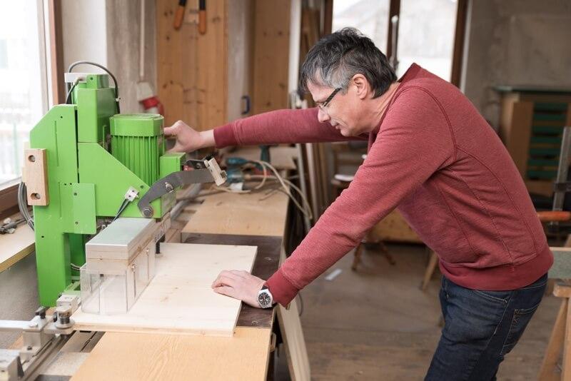 Holz Bearbeitung